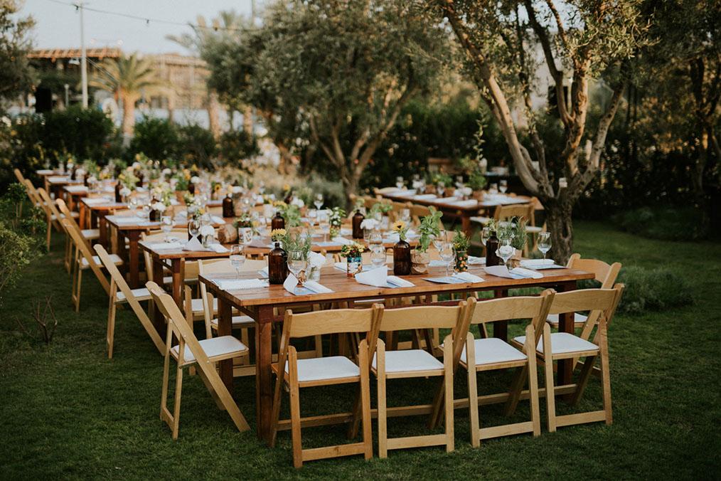 תחושה של אירוח בחצר הפרטית. מתוך החתונה של גילי וירין. צילום: איל הצילום