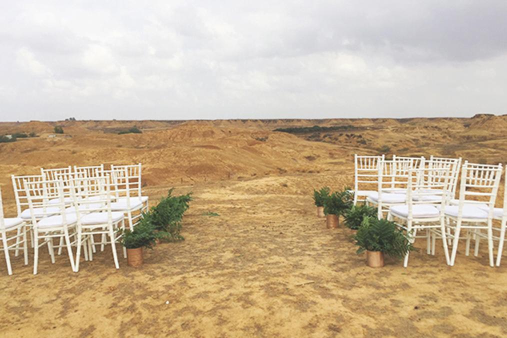 חופה מול הנוף המדברי הקסום. מתוך החתונה של אילת וגיל