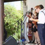 חתונה גינה אביבית - להקת דה ז'ה וו - סטודיו ציפורות - הפקה, עיצוב ומיתוג אירועים