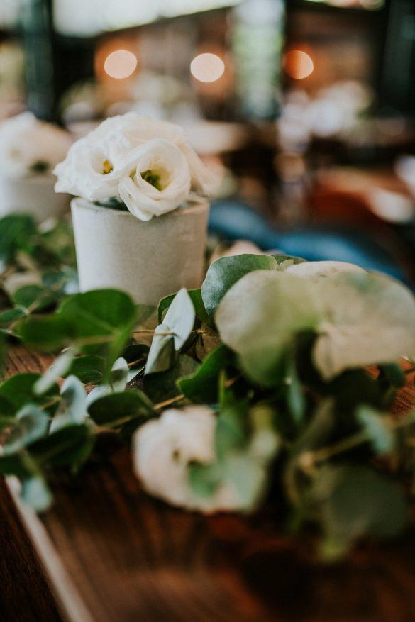 חתונה אורבנית באביגדור - תל אביב - סטודיו ציפורות -הפקה, עיצוב ומיתוג